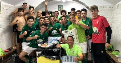 El Novelda C.F. Juvenil consigue los tres puntos frente al Pablo Iglesias en un emocionantísimo partido