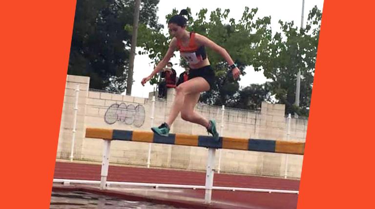 Aitana Blázquez del C.A.Cableworld Campeona Provincial en 2.000 metros obstáculos