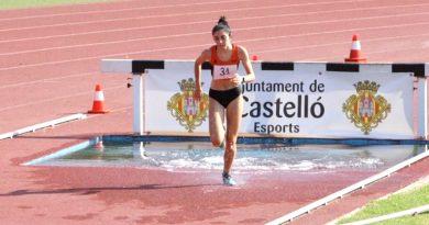 Aitana Bláquez del Club Atletismo Cableworld Campeona Autonómica Sub-18 en 2.000 metros obstáculos
